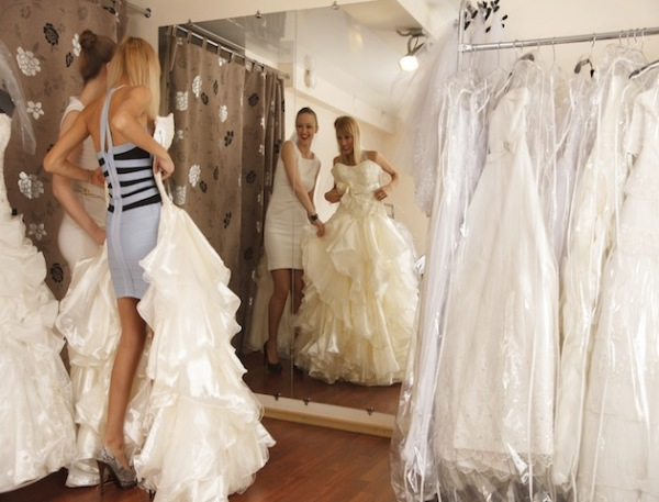 How to Find that Perfect White Dress for Your Wedding Day